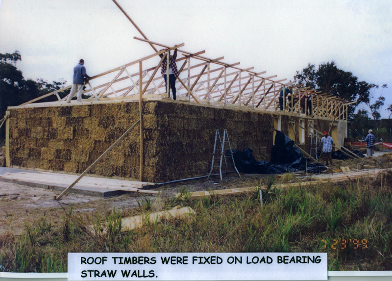 Tilligerry Habitat straw bale building being built 2